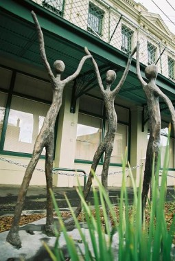 Delkuk Spirits (2002), Kelly Koumalatsos, bronze sculpture